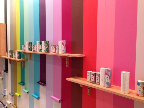 Băng dính dán tường đa dạng màu sắc